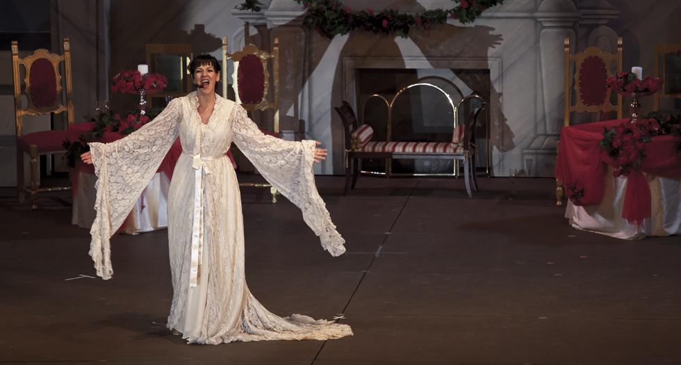 Romina-La-traviata.jpg